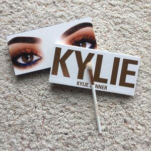 Authentic Kylie Cosmetics Royal Peach palette